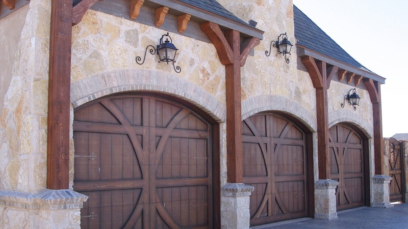Prevent Wind Damage with a Secured Garage Door