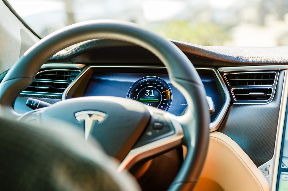 Tesla Drivers Cannot Rely on Autopilot Alone